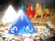 A ja ciągle obstawiam, że gra jest w klimacie egipskim głównie przez to, że ktoś wyprodukował za dużo piramidalnych kostek.