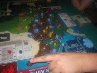 Andean Abyss. Ambitniejszy tytuł, w którym gracze wcielają się w Kolumbijskich baronów narkotykowych, bądź komunistów, bądź sił rządowych ... brzmi jak gra bez happy endu.